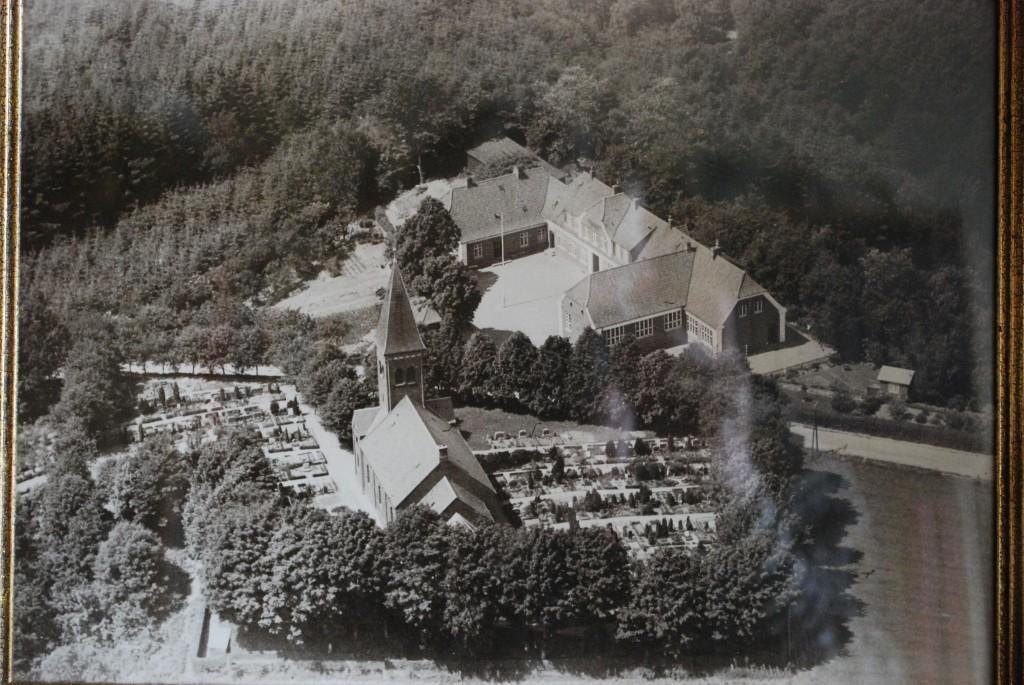 Bredballe Kirke og Centralskole ca. 1950